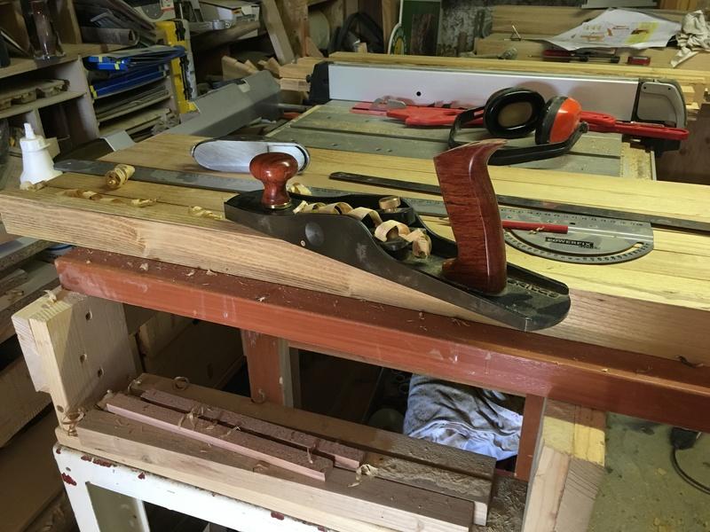 Adirondack, réalisation de 3 fauteuils de jardin - Page 2 Img_2048