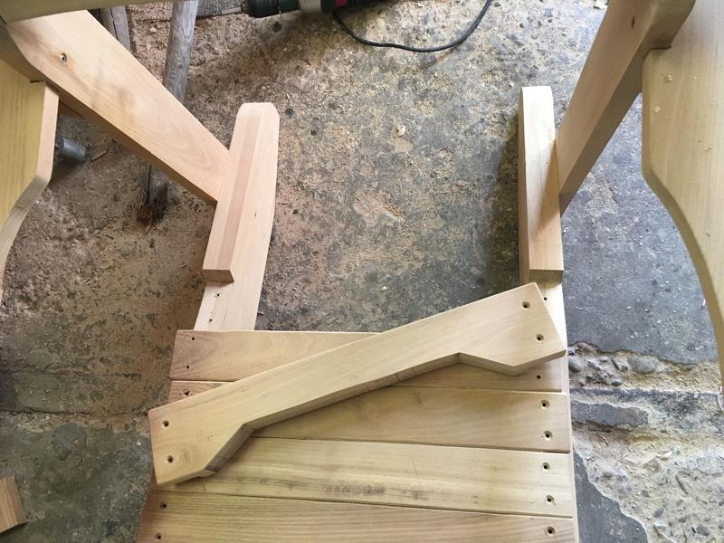 Adirondack, réalisation de 3 fauteuils de jardin - Page 3 Img_2122