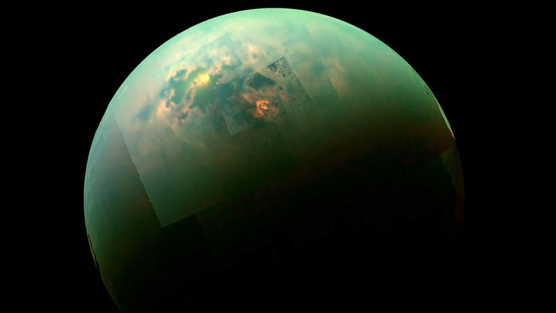 Titan et ses lacs de méthane liquide. Titan10