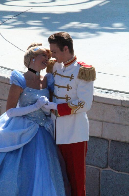 Vos photos avec les Personnages Disney - Page 2 Img_2724