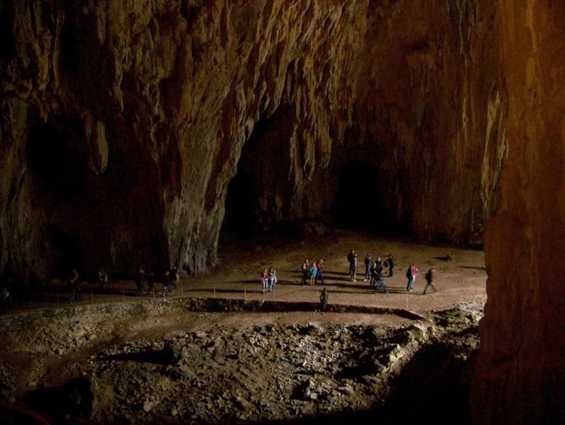 Découvrez les plus incroyables grottes du monde. 1011