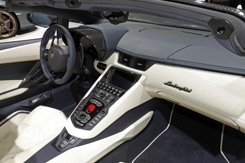 2011 - [Lamborghini] Aventador LP700-4 - Page 26 5e83e010