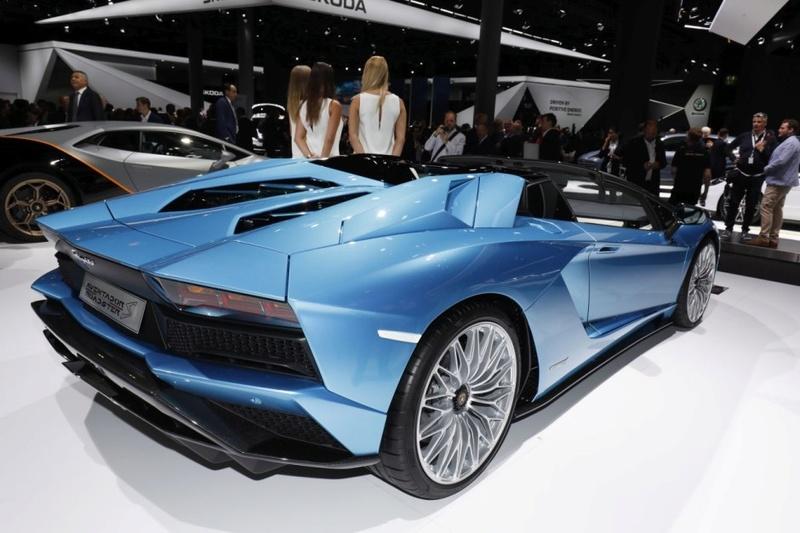 2011 - [Lamborghini] Aventador LP700-4 - Page 26 62a81210