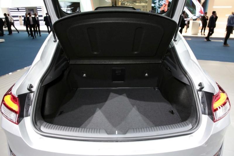 2017 - [Hyundai] i30 Fastback - Page 2 73006710