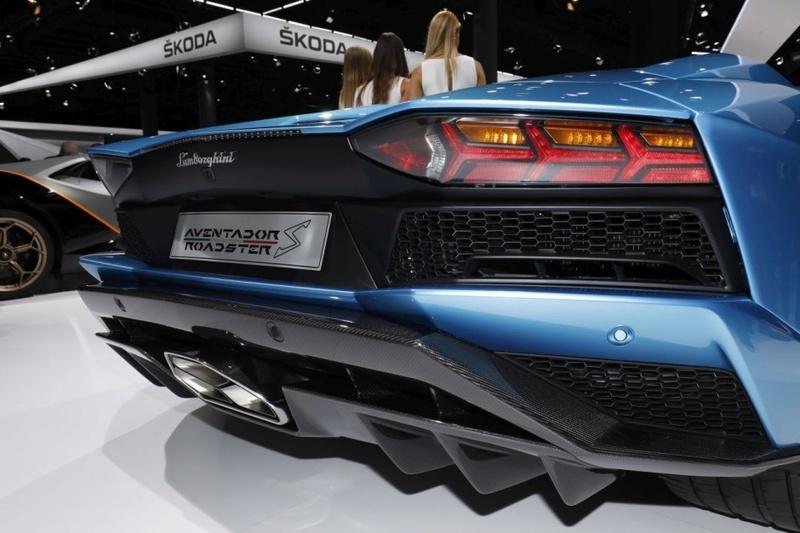 2011 - [Lamborghini] Aventador LP700-4 - Page 26 7da28210