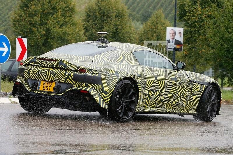 2017 - [Aston Martin] Vantage 7tryi110