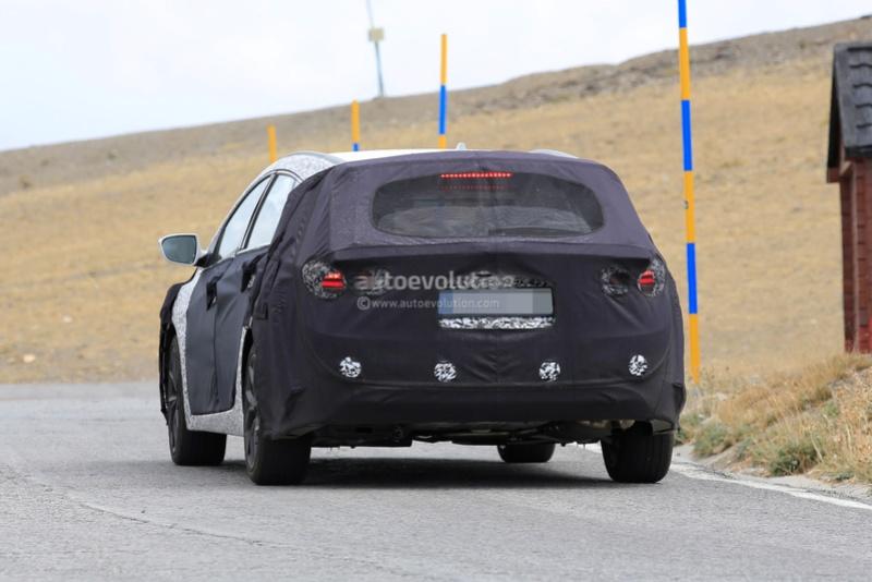 2020 - [Hyundai] i40 II Aca84b10