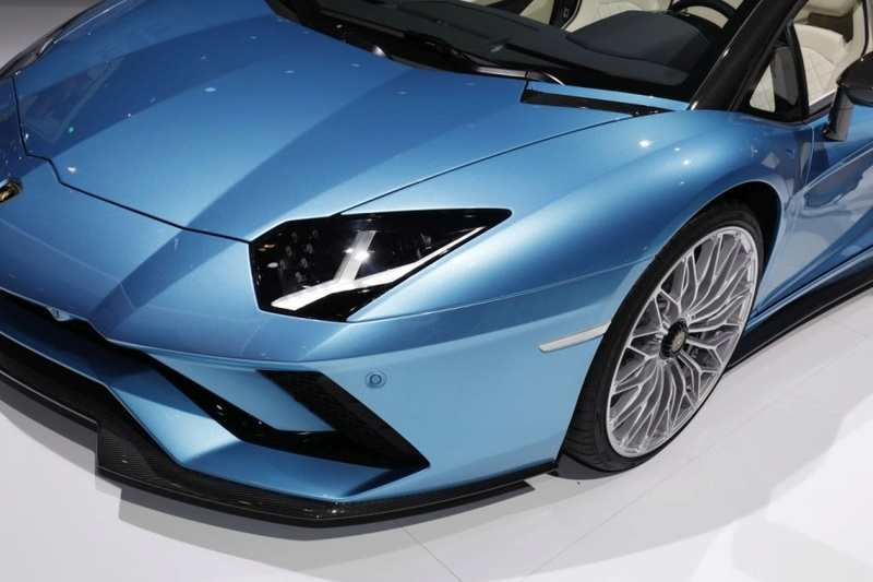 2011 - [Lamborghini] Aventador LP700-4 - Page 26 Bb33ee10