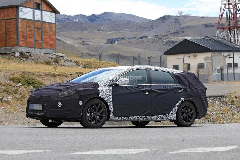 2020 - [Hyundai] i40 II Be79c010