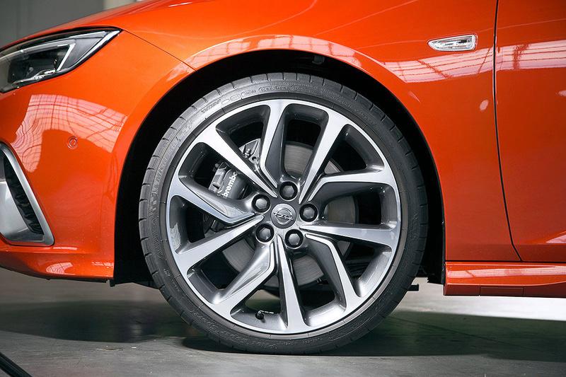 2017 - [Opel] Insignia Grand Sport [E2JO] - Page 32 C5538f10