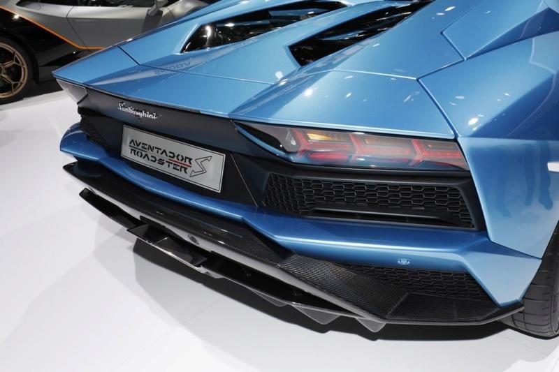 2011 - [Lamborghini] Aventador LP700-4 - Page 26 Cbcb4410