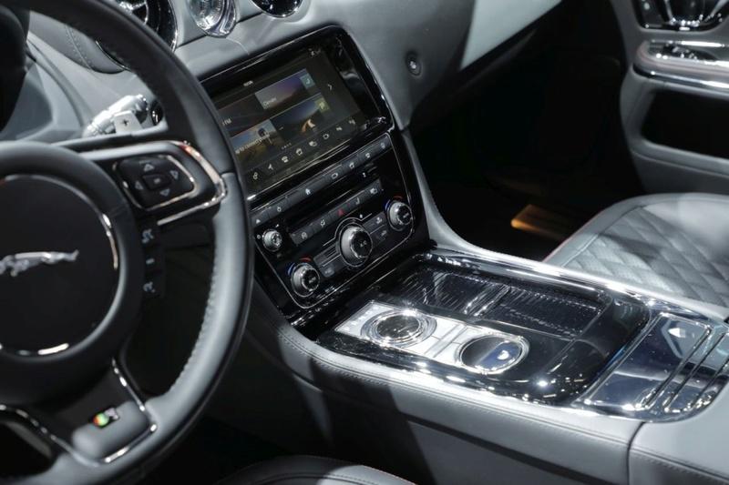2015 - [Jaguar] XJ Restylée - Page 3 E33b1410
