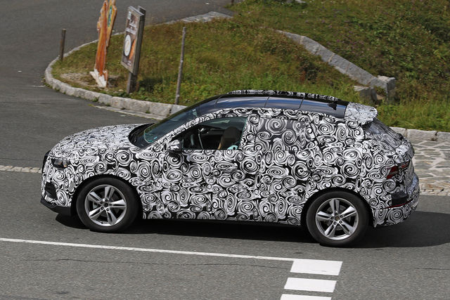 2018 - [Audi] Q3 II - Page 3 Erlkoe22