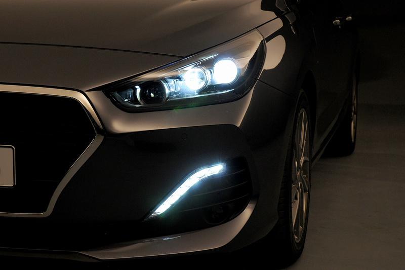 2017 - [Hyundai] i30 Fastback Hyunda40