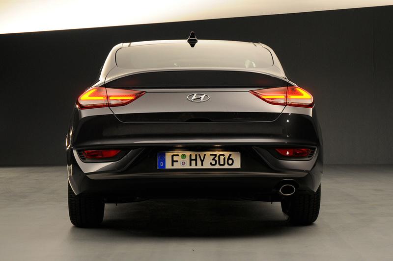 2017 - [Hyundai] i30 Fastback Hyunda45