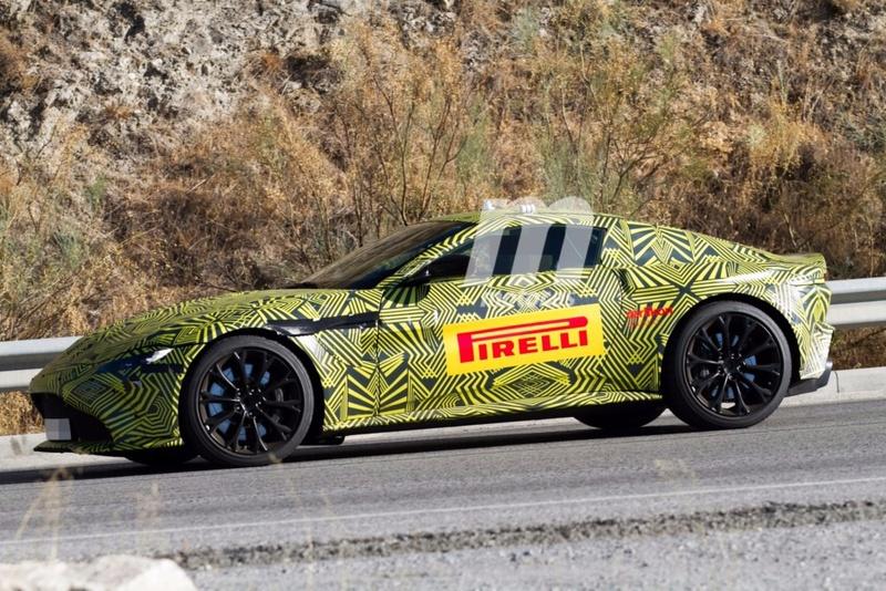 2017 - [Aston Martin] Vantage Primer14