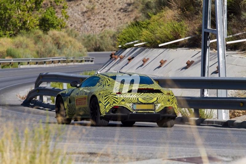 2017 - [Aston Martin] Vantage Primer15