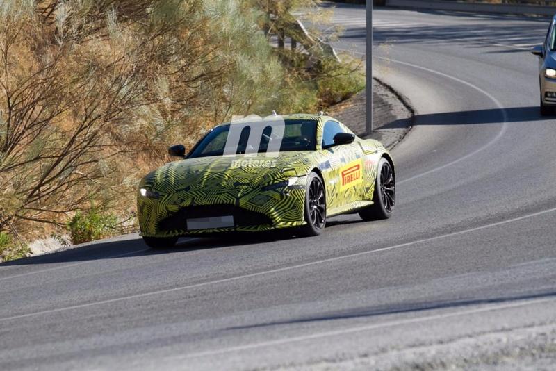 2017 - [Aston Martin] Vantage Primer16