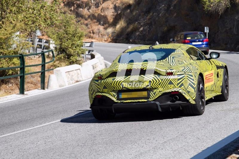 2017 - [Aston Martin] Vantage Primer24