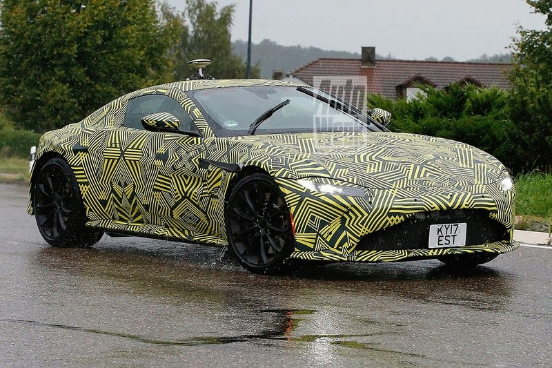 2017 - [Aston Martin] Vantage Vgey7o10