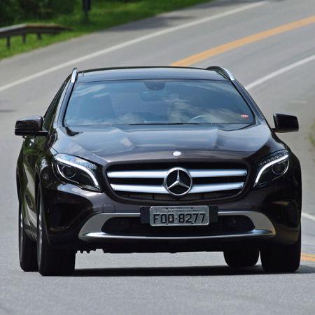 Mercedes-Benz faz recall de 14.401 carros por risco de incêndio no motor Merced10
