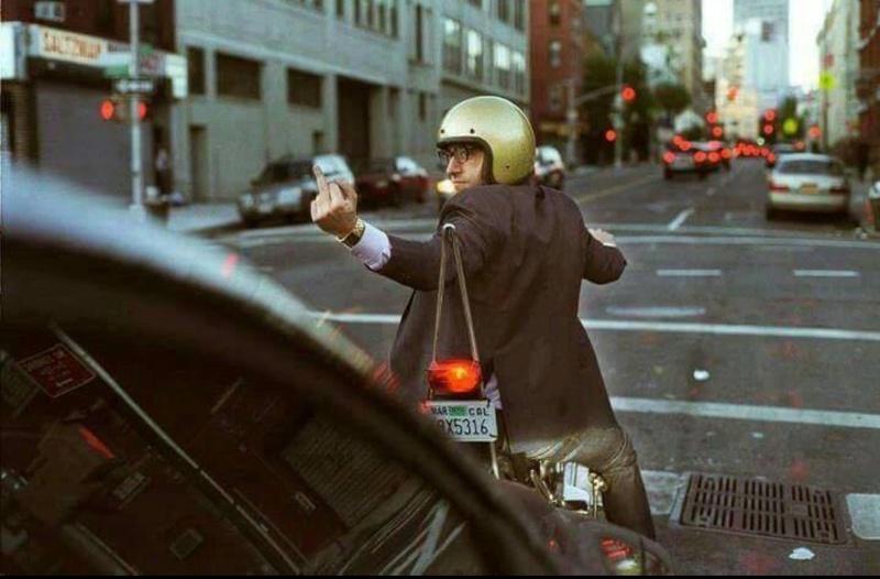 les voitures qui collent au derrière : que faites vous ?  - Page 5 Image10