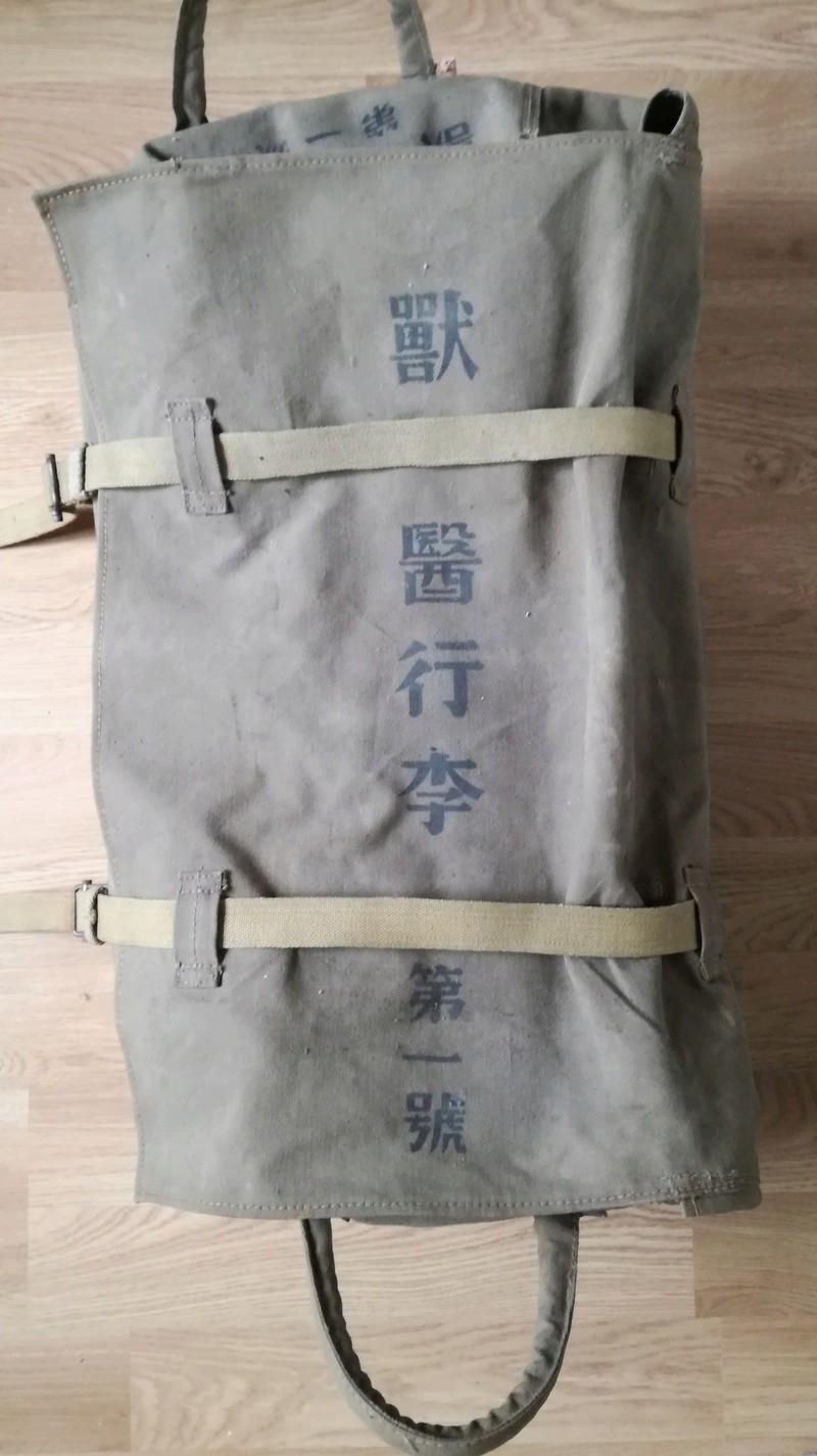 Caisse de munition DCA et sac vétérinaire AIJ. Img_2121