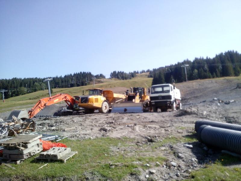 Construction du télésiège débrayable 6 places (TSD6) du Ranfoilly - Les Gets (Portes du Soleil) Img_2021