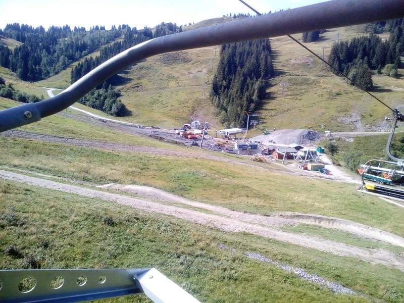 Construction du télésiège débrayable 6 places (TSD6) du Ranfoilly - Les Gets (Portes du Soleil) Img_2023