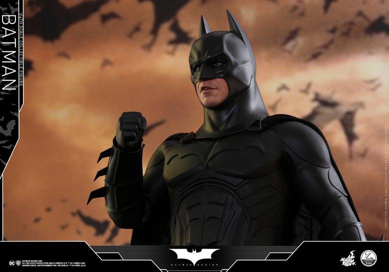 Batman Begins 1/4 (Hot Toys) 01485210