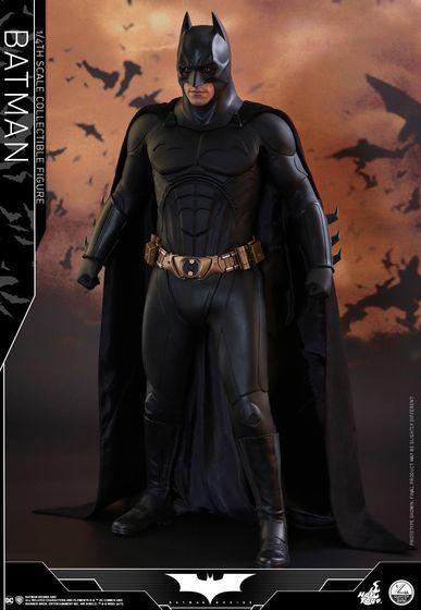 Batman Begins 1/4 (Hot Toys) 01485610
