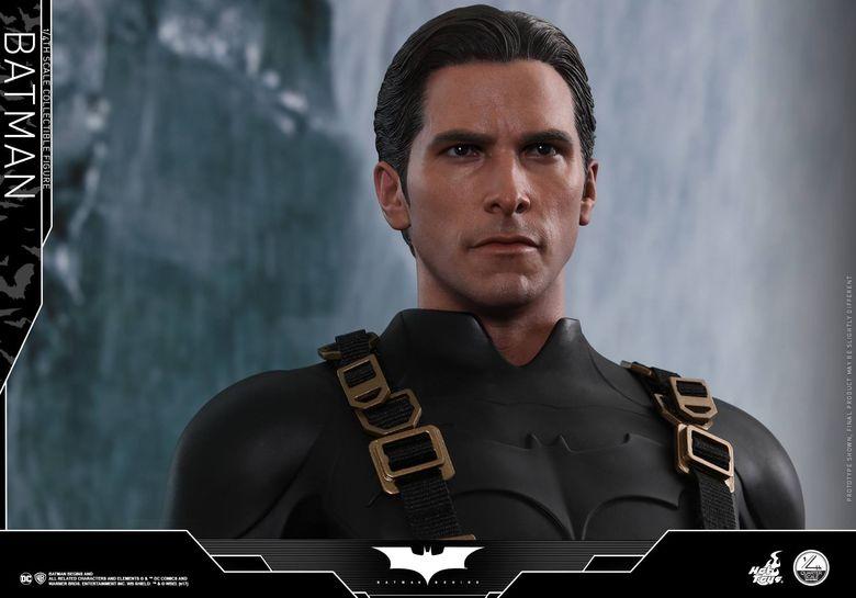 Batman Begins 1/4 (Hot Toys) 01494010