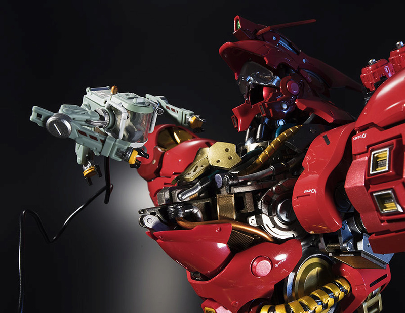 Nu Gundam Bust Display (Formania EX / Bandai) - Page 2 01e30710
