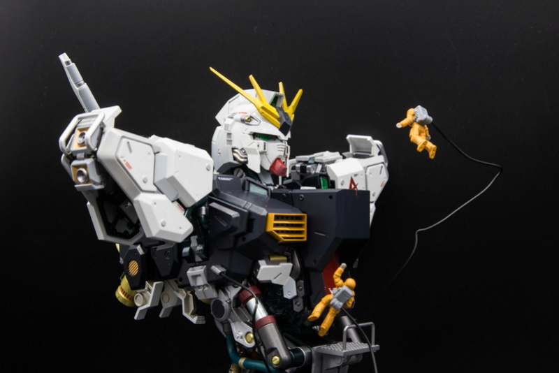 Nu Gundam Bust Display (Formania EX / Bandai) - Page 2 0911