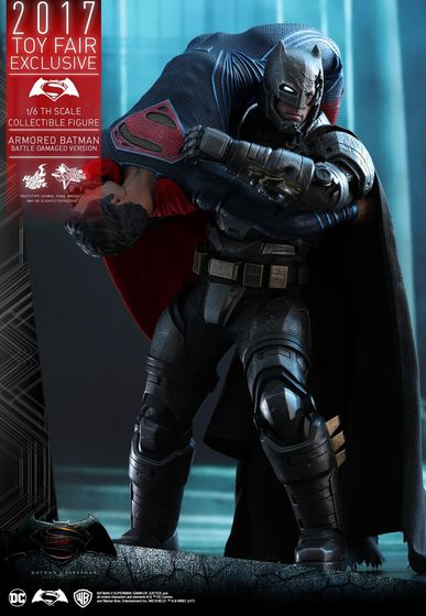 Armored Batman Battle Damaged 1/6 - 2017 Toy Fair Exclusive (Hot Toys) 13193210