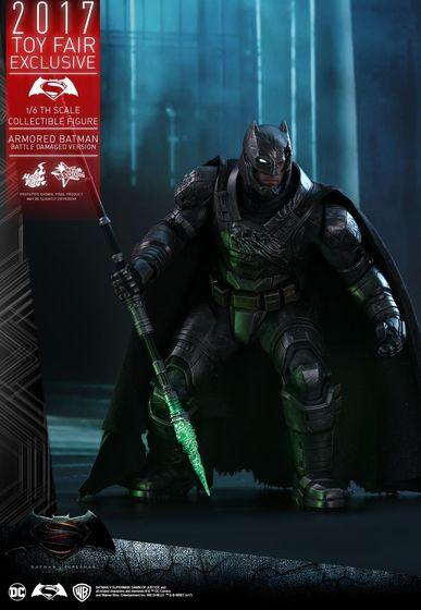 Armored Batman Battle Damaged 1/6 - 2017 Toy Fair Exclusive (Hot Toys) 13194210