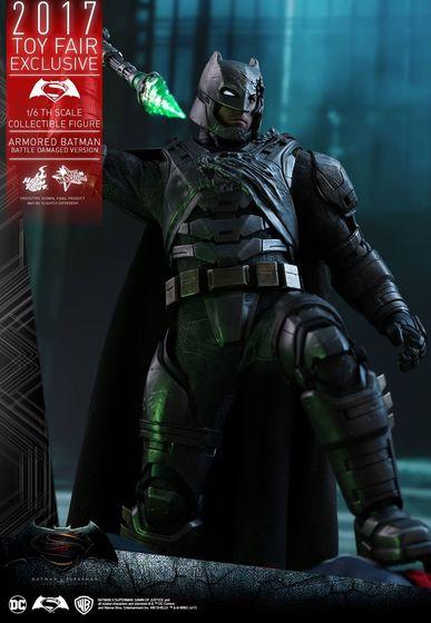 Armored Batman Battle Damaged 1/6 - 2017 Toy Fair Exclusive (Hot Toys) 13200210
