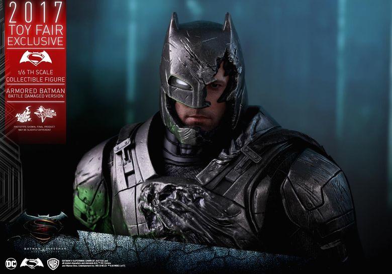 Armored Batman Battle Damaged 1/6 - 2017 Toy Fair Exclusive (Hot Toys) 13202710