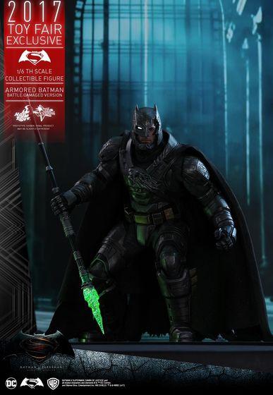 Armored Batman Battle Damaged 1/6 - 2017 Toy Fair Exclusive (Hot Toys) 13203210
