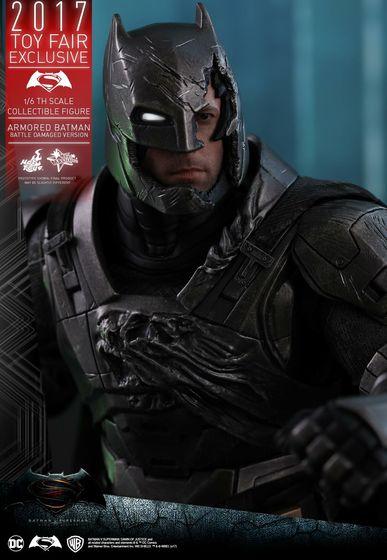 Armored Batman Battle Damaged 1/6 - 2017 Toy Fair Exclusive (Hot Toys) 13204110