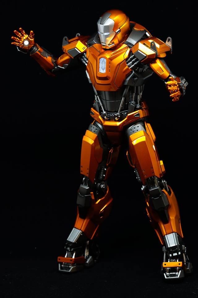 Iron Man 3 - Mark XXXVI/Mark 36 : Peacemaker 1/9 Diecast (King Arts) 21077710