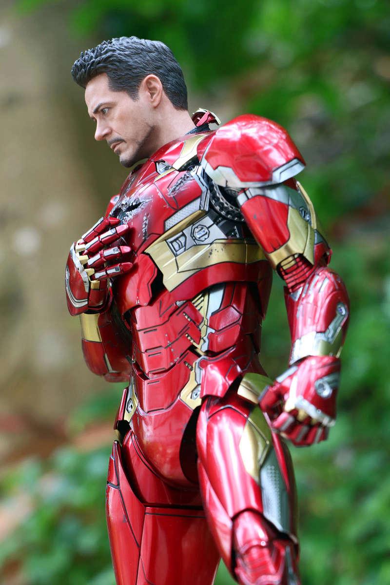 Iron Man Mark XLVI (46) 1/6 - Captain America : Civil War (Hot Toys) 21273412