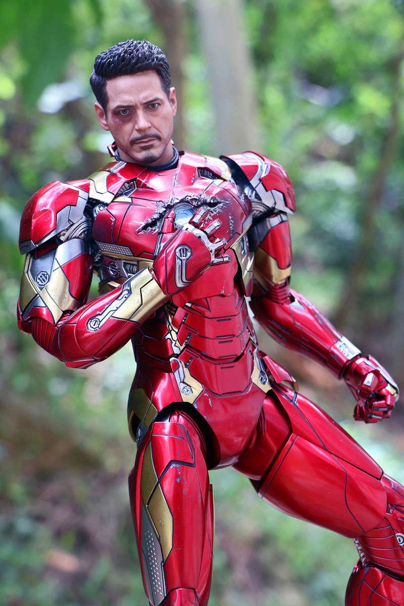 Iron Man Mark XLVI (46) 1/6 - Captain America : Civil War (Hot Toys) 21273510