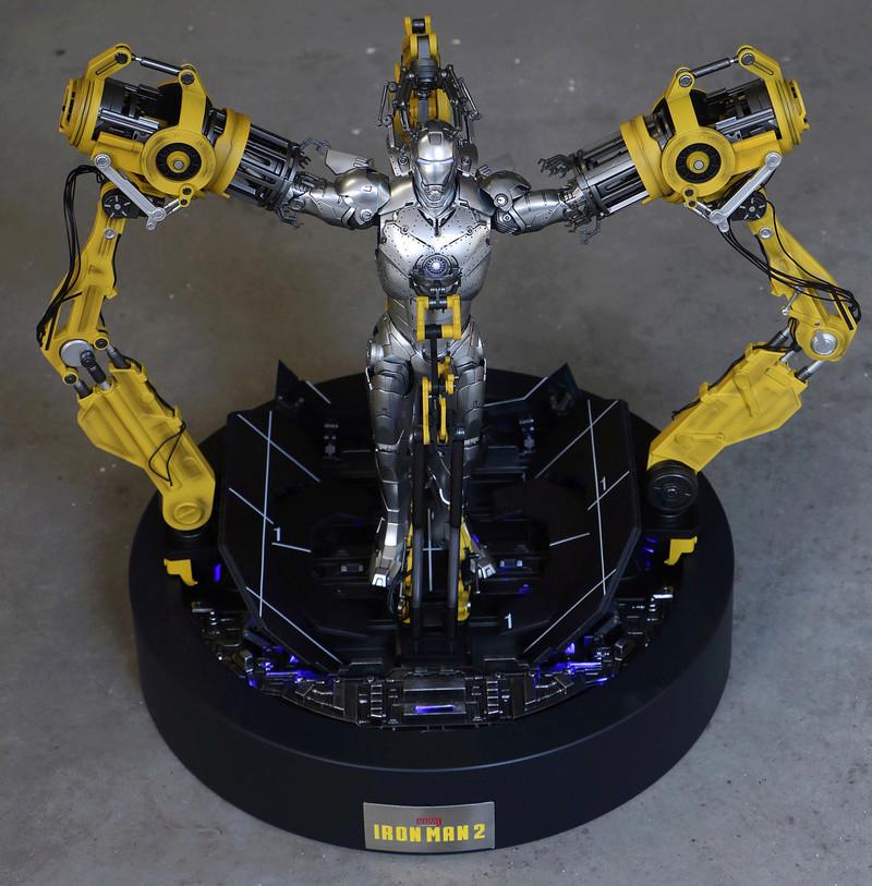 Iron Man 2  - Suitup Gantry Featuring Mark IV - 1/9 Diecast (King Arts) 22351810