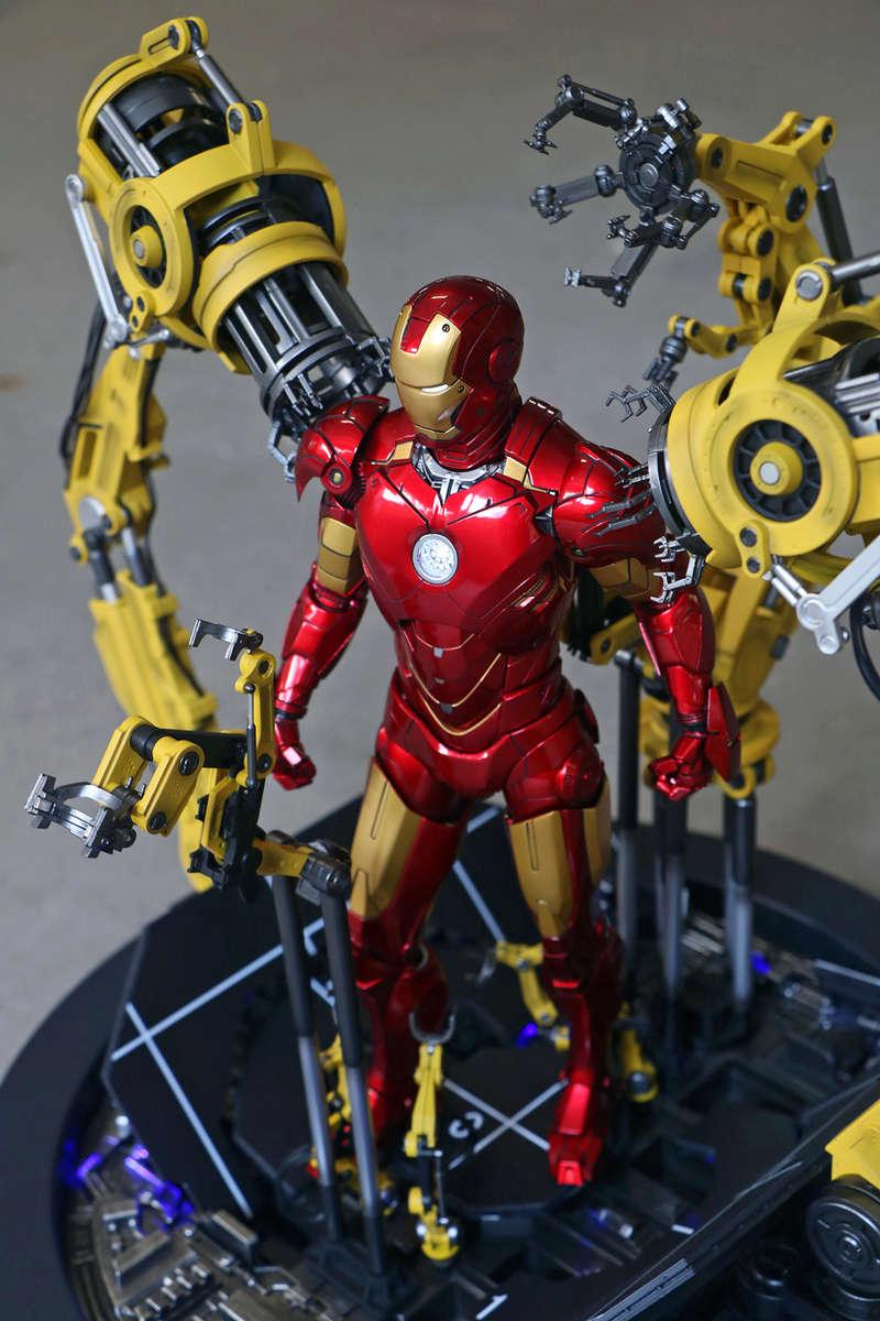Iron Man 2  - Suitup Gantry Featuring Mark IV - 1/9 Diecast (King Arts) 22351910