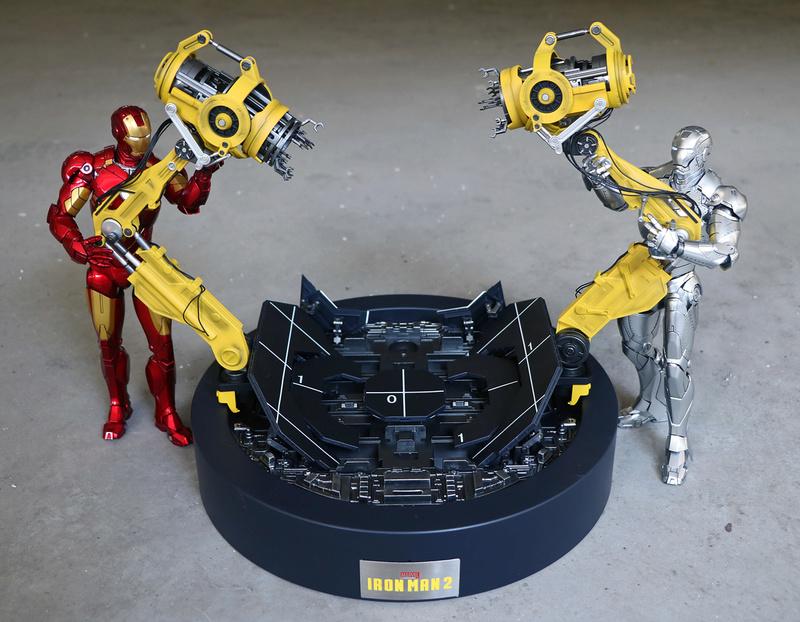 Iron Man 2  - Suitup Gantry Featuring Mark IV - 1/9 Diecast (King Arts) 22352510