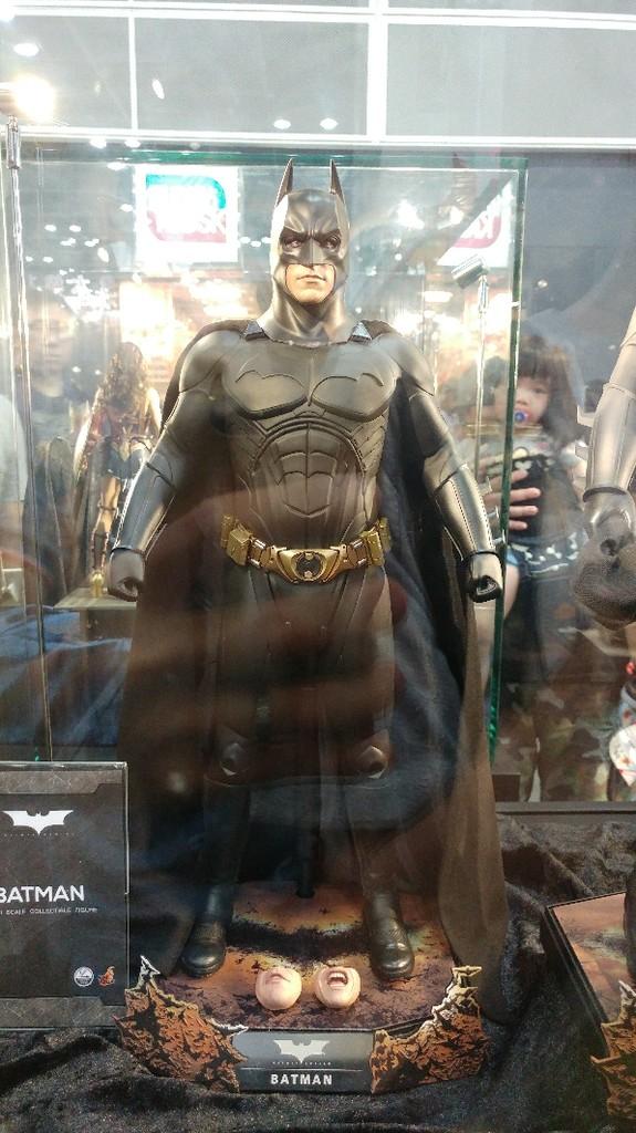 Batman Begins 1/4 (Hot Toys) Czo2nd10