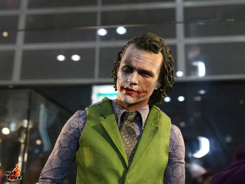 Batman / Joker - The Dark Night 1/4 (Hot Toys) Spw6uv10