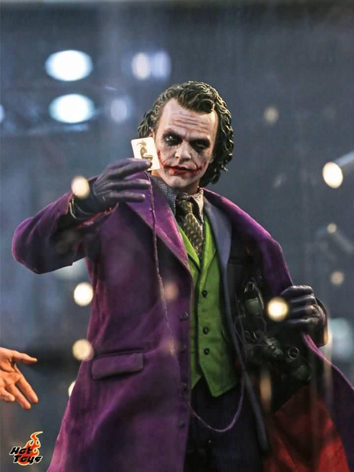 Batman / Joker - The Dark Night 1/4 (Hot Toys) Tiw9lp10