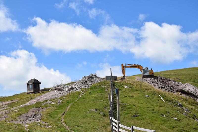 Construction télésiège fixe de la Combe - Chantiers Le Lioran 2017 Dsc_0122